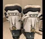 Salomon ski boots size 26Worn 4 times in Ski