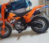 Very little used battery operated byke. New battery and very good condition