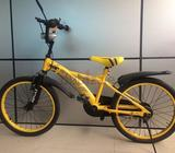 Bike for boy perfect inside and out.for 200dhr