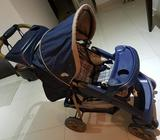 Baby stroller (from Canada), in excellent condition, could be used for new born till 4 yrs old child