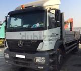Axor 10 ton truck with palfinger crane on excellent conditions. Crane capacity 3 ton