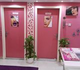 Ladies beauty saloon for immediate SALE